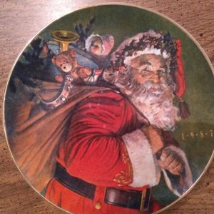 Avon 1987 The Magic That Christmas Brings plate
